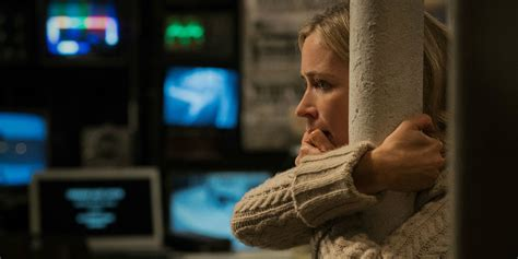 emily blunt trailer monsters hunt emily blunt in a quiet place trailer