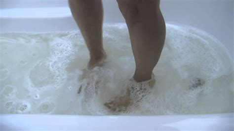 Bathtub Clogs by Clogged Bathtub How To Fix A Draining Bath Tub