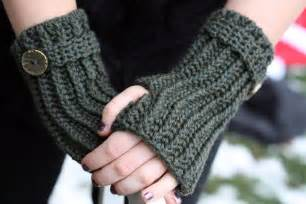 Crochet pattern for fingerless mittens crochet club