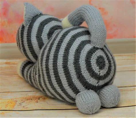 cat knitting playful cat knitting by post