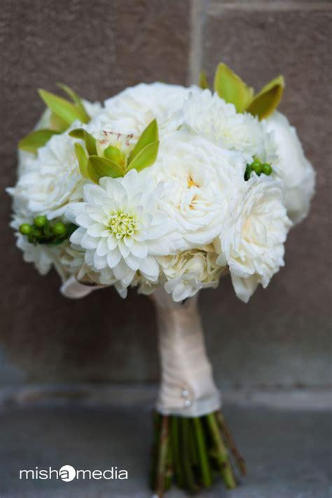 Buket Bunga Hydrangea bridal bouquet of alabaster garden roses white dahlias