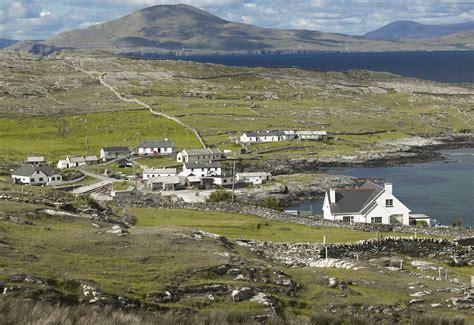 trump island ireland s inishturk island welcomes americans fleeing