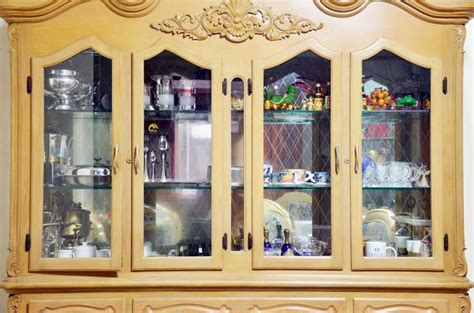 how to organize a china cabinet 7 best organizing a china cabinet images on