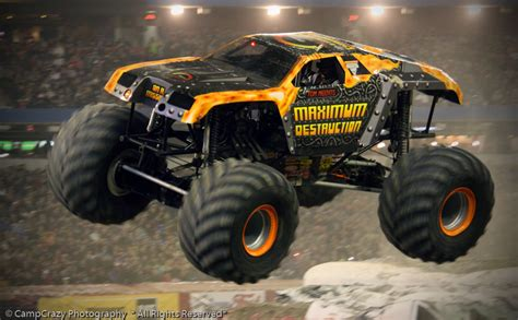 maximum destruction monster truck videos maximum destruction monster jam toronto 2011 2 oh what