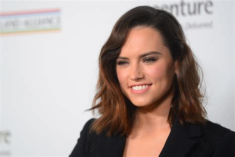 daisy ridley wallpapers images photos pictures backgrounds