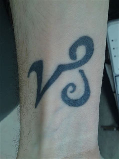 capricorn tattoos for wrist capricorn tattoos