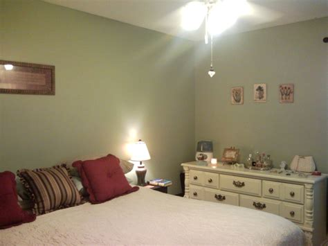 best color for small bedroom decorating a small bedroom on an even smaller budget