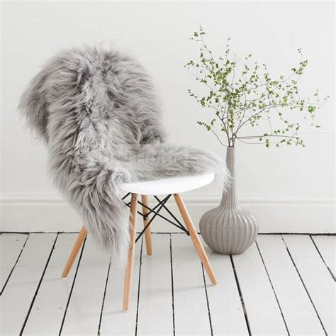 sheepskin throw rug the 25 best grey sheepskin rug ideas on fluffy rug grey rugs and fluffy rugs bedroom