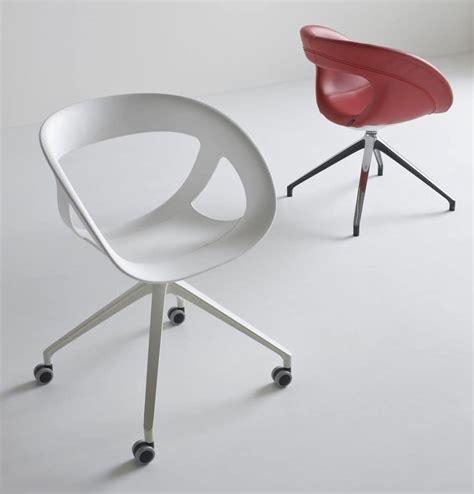 ruote per sedie ufficio sedia girevole per ufficio con 4 ruote idfdesign