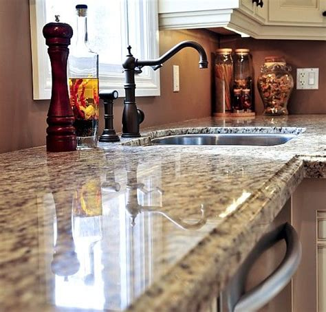 picture of granite countertop with an ogee edge