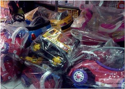 Sepatu Roda Anak Di Pasar Gembrong my world pasar gembrong pasar mainan bocah