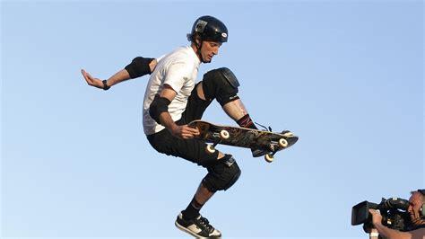 best tony hawk skateboarder tony hawk said he had to destroy his brand to