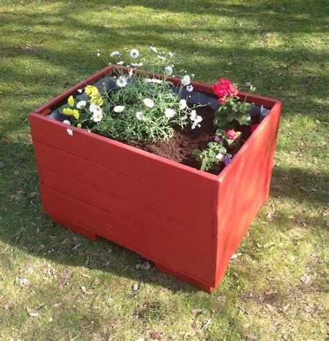 Easy Planter Box Ideas by 17 Creative Diy Pallet Planter Ideas For Diy Projects