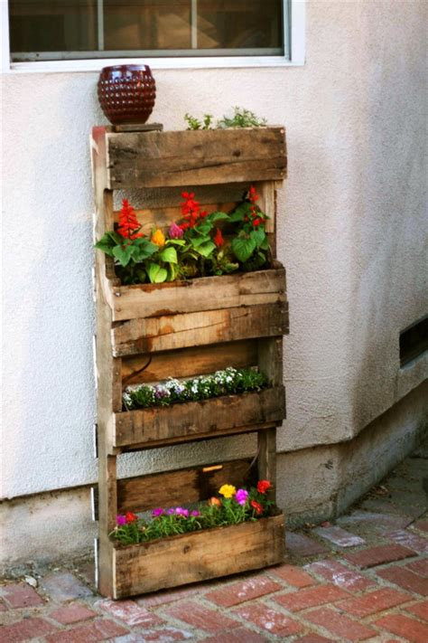 How To Build A Vertical Pallet Garden Step By Step For Vertical Pallet Garden 99