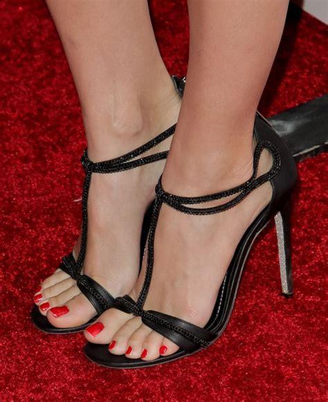 older celebrity feet beth behrs s feet