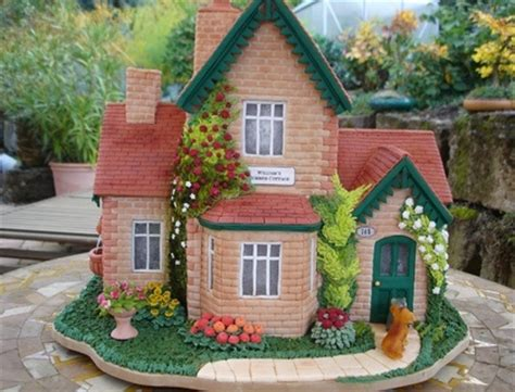 house cake design best 25 house cake ideas on pinterest christmas birthday cake gingerbread house designs and