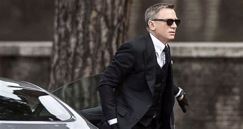 james bond sunglasses james bond spectre 2015