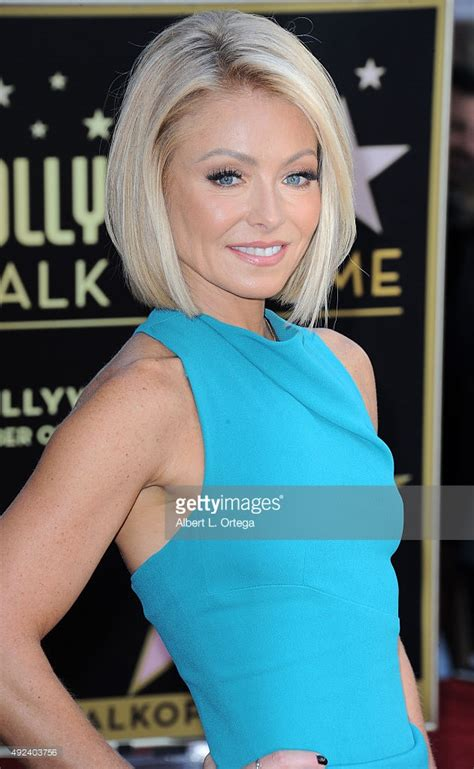 kelly ripa lob kelly ripa honored with star on the hollywood walk of fame