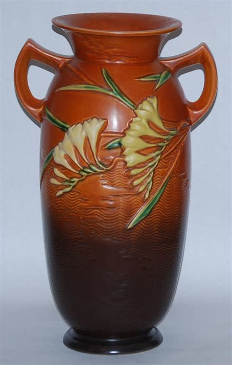 Value Of Roseville Pottery Vases by Roseville Pottery Freesia Brown Vase For Sale Antiques