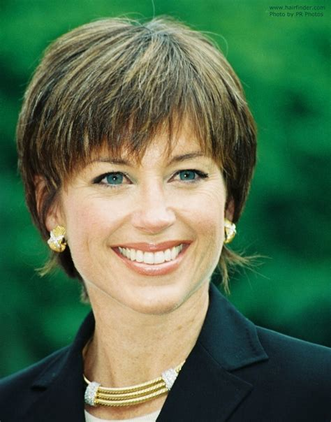 dorothy hamill carefree shag hairstyle for busy women