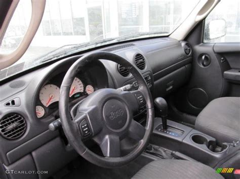 liberty jeep interior 2003 jeep liberty sport 4x4 interior photo 73024654
