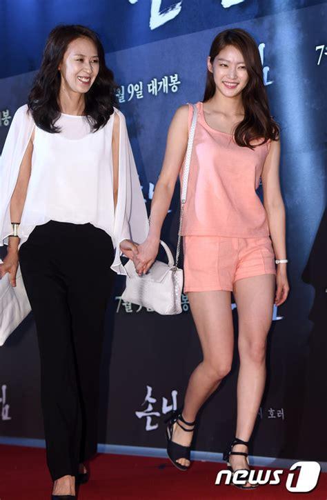 yoo ah in và jung yoo mi suzy kim yoo jung v 224 d 224 n sao khủng khoe sắc tr 234 n thảm đỏ