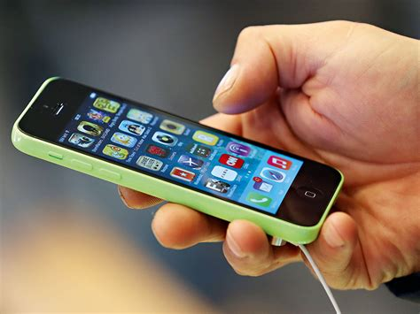 game of phones tech kings clash in smartphone patent wars