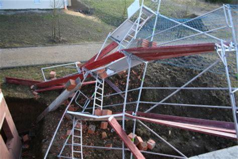 Gerüstbau Köln Preise by Sturmschaden Giebel Rohbau Und Fassadenger 195 188 St