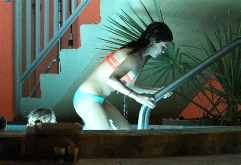 film on hot tub water vanessa selena and ashley film a hot tub scene zimbio