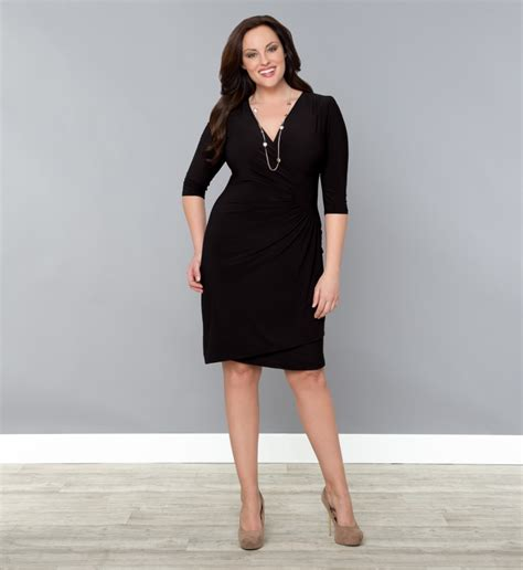 how should plus sized women wear their hair plus size woman plus size workplace clothing