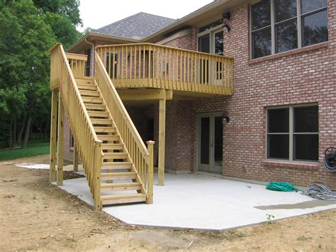 building a backyard deck decks 171 combs builders inc