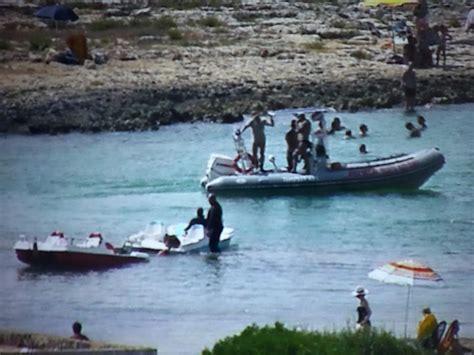 cronaca porto cesareo barche nell area protetta di porto cesareo scatta il