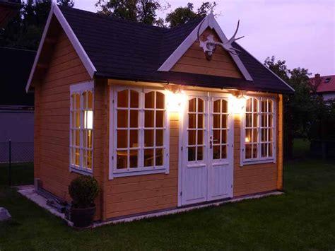 beleuchtung gartenhaus solarlen im garten tipps rund um die beleuchtung