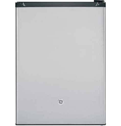 Gea M Rw6t2hh Stainless Steel Counter Chiller Maskitchen ge 174 compact refrigerator gce06gshsb ge appliances