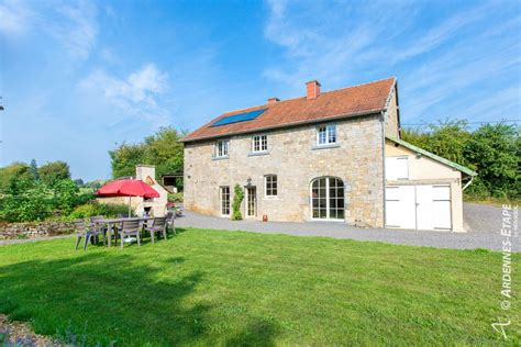 Weekend Cottages Enjoy The Ambiance And Charm Of A Pleasant Country House