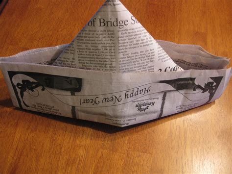 Make A Hat Out Of Paper - file newspaper hat jpg wikimedia commons