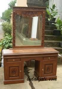Meja Rias Altar meja rias tolet pigura cermin ukir dan minimalis