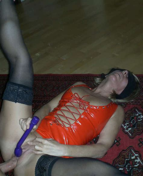 milf blindfolded party Xxgasm