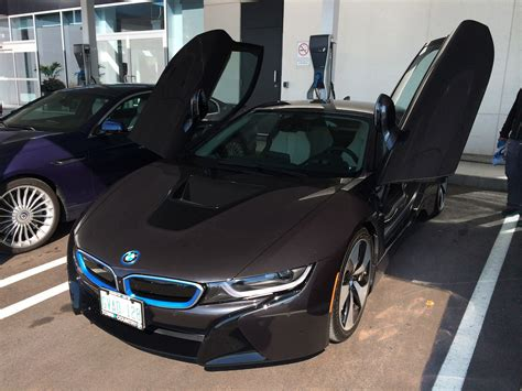 Bmw I8 Glass Doors by 2015 Bmw I8 Look And Facts Cars Photos Test Drives And Reviews Canadian Auto Review