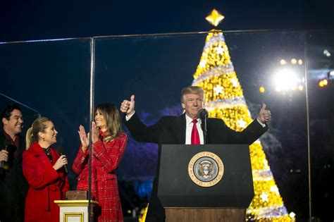 donald trump christmas trump wished country merry christmas instead of happy