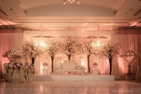 Indian wedding head table ideas. Wedding reception asian