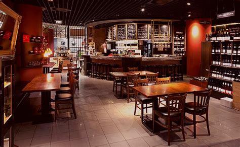le rustikal bar a vin im weinkeller le gourmet galeries lafayette