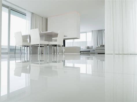 resine per pavimenti fai da te scegliere la resina per pavimenti come pulire