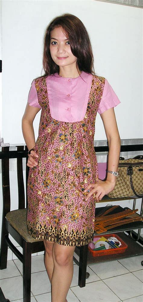 Cara Menggunakan Mesin Jahit Janome Indigo 18 satu design berbeda gaya kursus tata busana wiwi