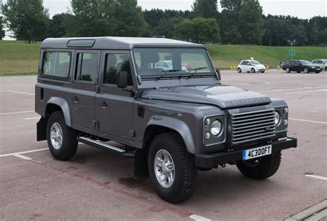 land rover defender 110 file land rover defender 110 station wagon 2016 front