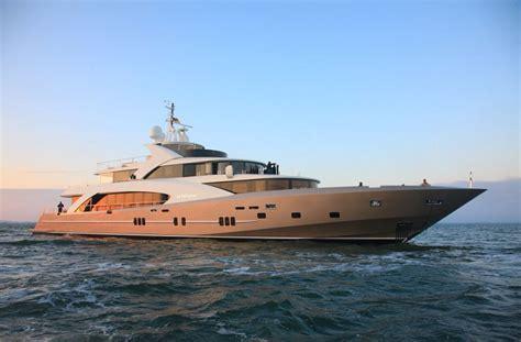 een boot huren op ibiza ibiza vandaag - Jacht Huren Ibiza