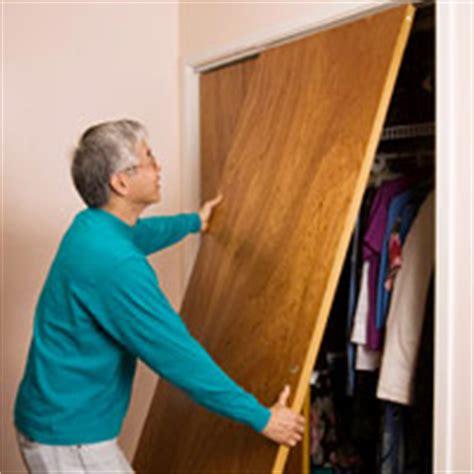 How To Fix Bifold Closet Doors by Repairing Bifold And Sliding Doors How To Repair Any