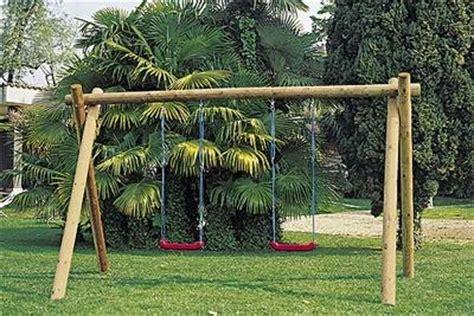 altalena da giardino prezzi altalena giochi da giardino installare un altalena in