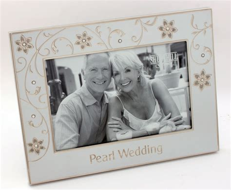30th wedding anniversary photo frame pearl wedding 30th anniversary 6 x 4 photo frame gifts