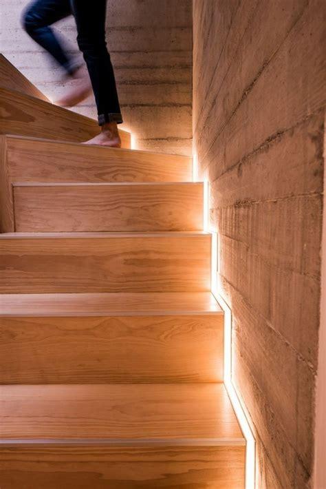 treppenstufenbeleuchtung innen die led lichtleiste 30 ideen wie sie durch led leisten